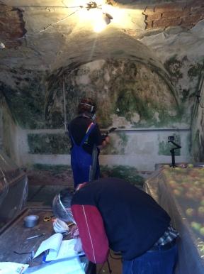 Schimmelbekämpfung im Keller mittels Trockenvereisung